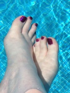 Toes in pool