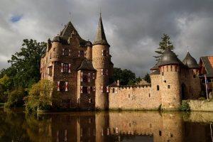 castle-3195152__340